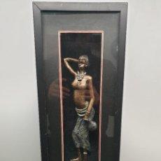 Arte: FIGURA DE MUJER AFRICANA CON MARCO Y CRISTAL. (ENVÍO 4,31€). Lote 226710095