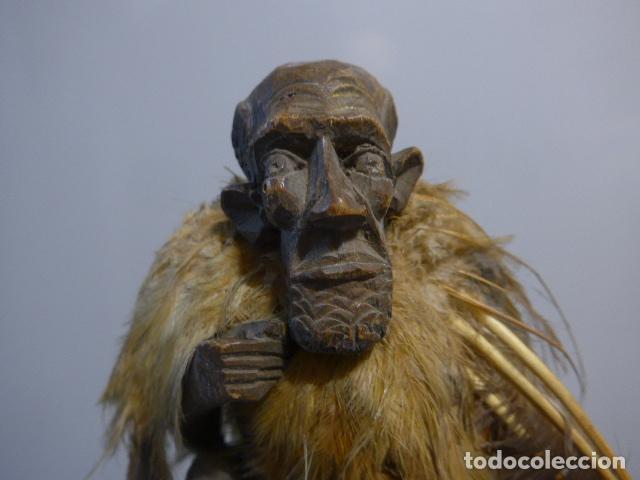 Arte: Antigua escultura fetiche con plumas de madera tallada africana, original, de tribu de mali - Foto 2 - 228479655