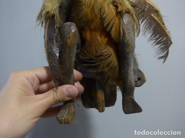 Arte: Antigua escultura fetiche con plumas de madera tallada africana, original, de tribu de mali - Foto 4 - 228479655