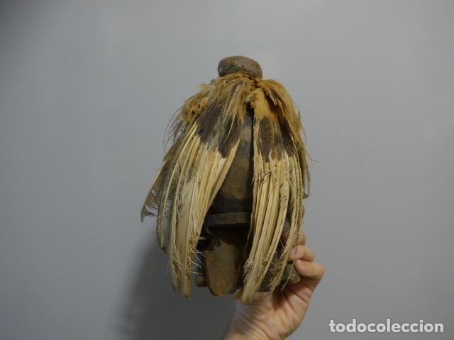Arte: Antigua escultura fetiche con plumas de madera tallada africana, original, de tribu de mali - Foto 8 - 228479655