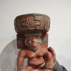 Arte: FIGURA ARTE PRECOLOMBINO, AZTECA, MAYA, INCA...BARRO / TERRACOTA. S.XX 25CM. Lote 231543430