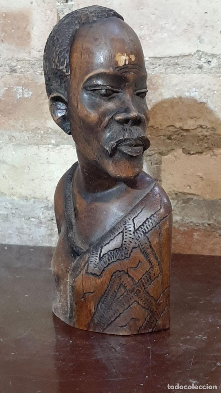 PEQUEÑA TALLA DE MADERA AFRICANA (Arte - Étnico - África)