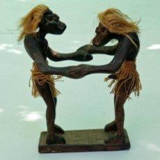 Arte: ESCULTURA TALLA DE MADERA REALIZADA A MANO ÉTNICA AFRICANA PAREJA ERÓTICA. Lote 236170115