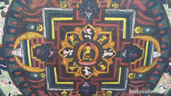 Arte: GRAN Y ANTIGUO MANDALA, THANGKA TIBETANO, PINTADO A MANO, ENMARCADO, SACRIFICIOS HUMANOS. 59 X 83 CM - Foto 6 - 237648595