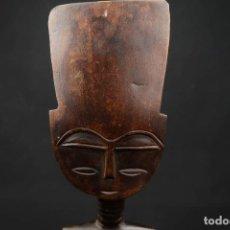 Arte: ANTIGUA FIGURA AFRICANA TALLADA EN MADERA. Lote 239867600