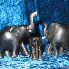 Arte: CONJUNTO COLECCIÓN TRÍO FAMILIA TRES ELEFANTES TALLA MADERA ÉBANO MARFIL, HUESO ÁFRICA CIRCA 1970. Lote 250148870