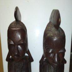 Arte: PAREJA DE BUSTOS AFRICANOS FABRICADOS EN MADERA DE ÉBANO.. Lote 251922955