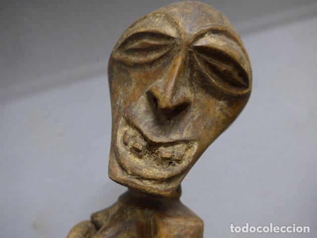 Arte: Antigua escultura de madera tallada africana, fetiche, original de tribu songye del congo. Africa. - Foto 9 - 253725760