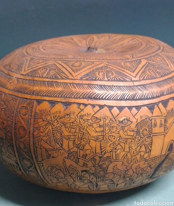 Arte: Calabaza arte cultura peruana tallada y grabada escenas vida y personajes nativos - Foto 3 - 261913710
