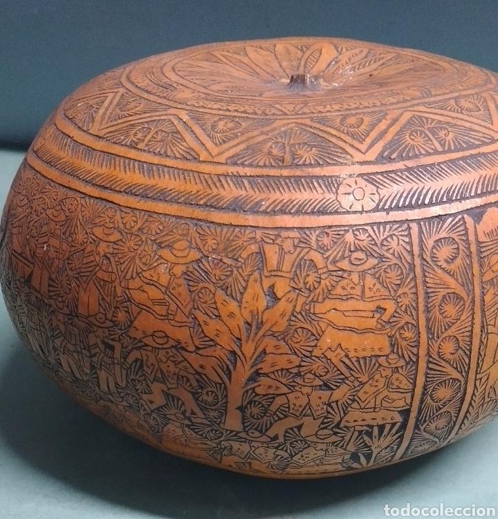 Arte: Calabaza arte cultura peruana tallada y grabada escenas vida y personajes nativos - Foto 4 - 261913710