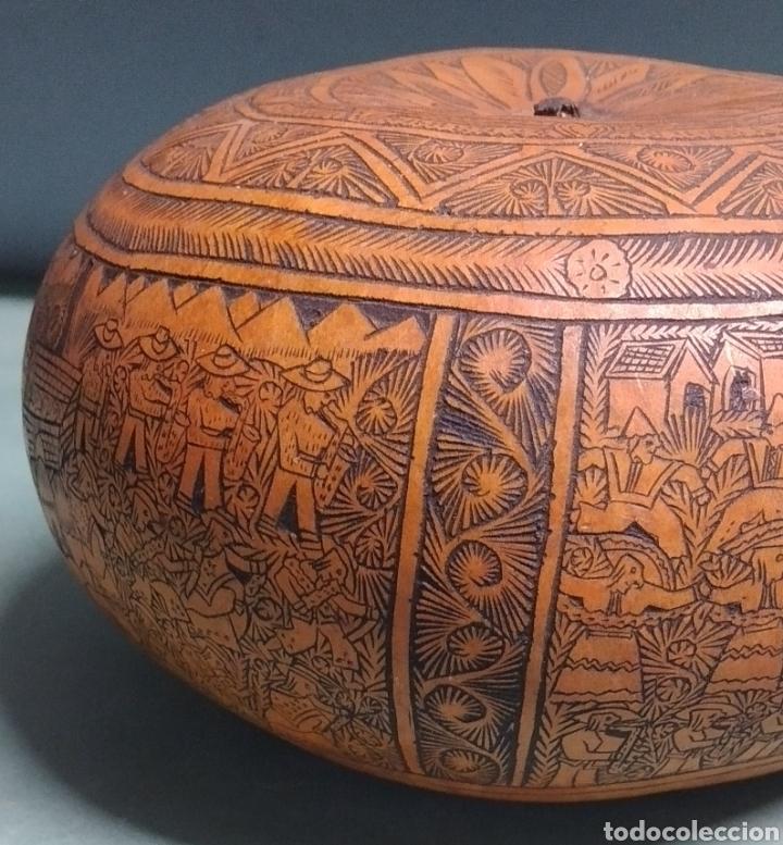 Arte: Calabaza arte cultura peruana tallada y grabada escenas vida y personajes nativos - Foto 7 - 261913710