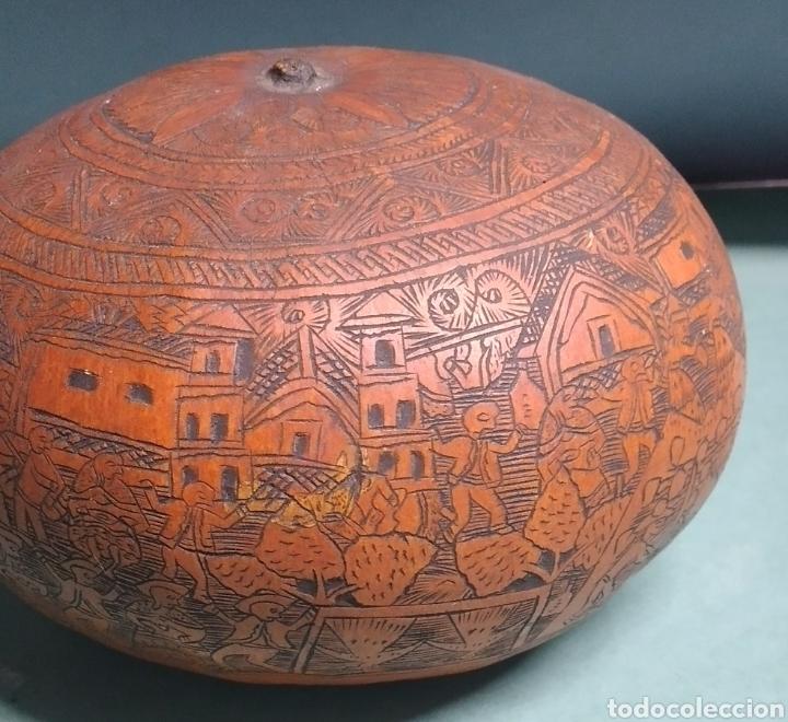 Arte: Calabaza arte cultura peruana tallada y grabada escenas vida y personajes nativos - Foto 7 - 261915470