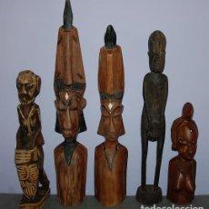 Arte: LOTE DE CINCO FIGURAS TRIBALES AFRICANAS TALLADAS EN MADERA. Lote 262714080