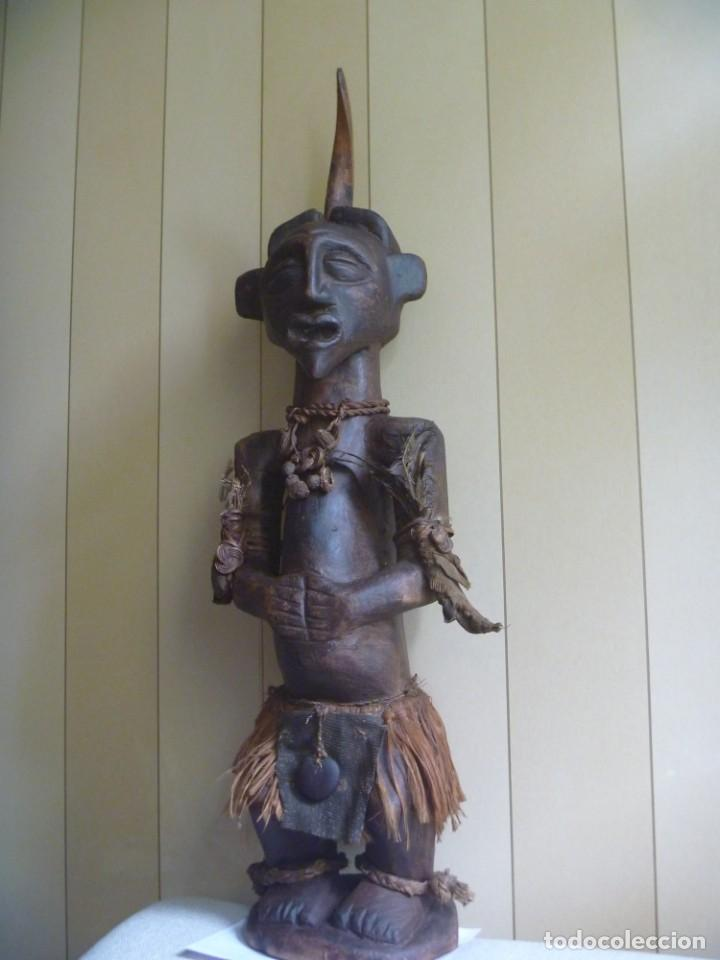 IMPRESIONANTE FETICHE NKISI SONGYE CONGO 150 AÑOS NKISI SONGYE FETISH CONGO 150 YEARS MUSEUM PIECE (Arte - Étnico - África)