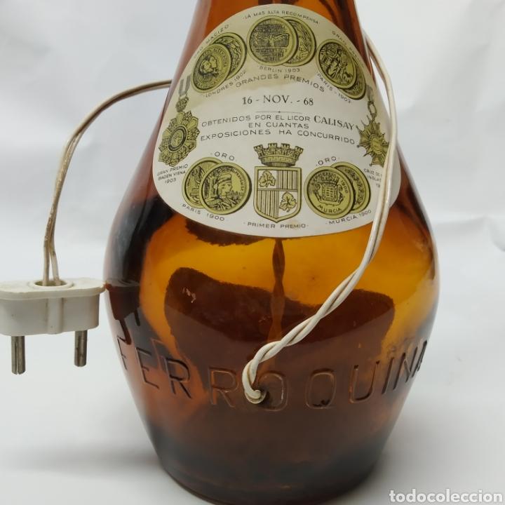 Arte: 2 lámparas de Botellas de Calisay, Arte Popular Funcional años 80, únicas, perfectas para decoración - Foto 19 - 265363089