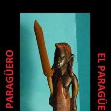 Arte: ANTIGUO GUERRERO FIGURA AUTENTICA AFRICANA TALLADA EN MADERA ES DE PRINCIPIO DEL SIGLO XX. Lote 267801404