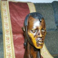 Arte: ESPECTACULAR TALLA DE CABEZA DE MADERA, GUERRERO MASAI. TANZANIA. AÑOS 70. Lote 269166828