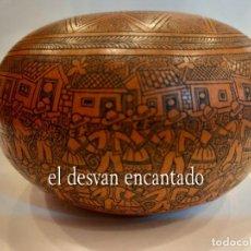 Arte: ARTE COLONIAL SUDAMERICANO.POBLADO PIROGRABADO EN UNA CALABAZA SG XIX. Lote 270117058