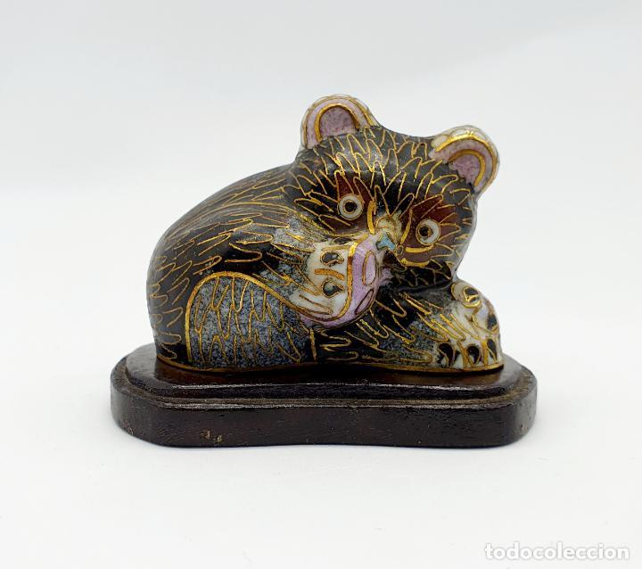 Arte: Bella figura antigua de oso Chino en bronce y esmaltes cerámicos cloisonné, años 20 . - Foto 6 - 273134448