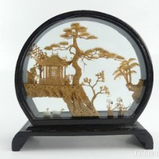 Art: BONITA DIORAMA HECHA DE MADERA CORCHO CHINA JAPON CON URNA OBJETO DE DECORACION. Lote 275523958