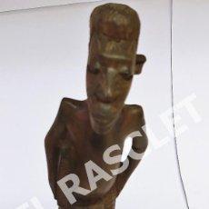 Arte: ANTIGÜA FIGURA AFRICANA EN MADERA DE EBANO TALLADA A MANO. Lote 275741713