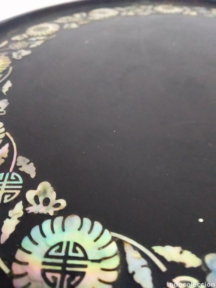 Arte: Antigua mesa china de Te ,lacada en negro y marquetería en nácar , - Foto 2 - 278621448
