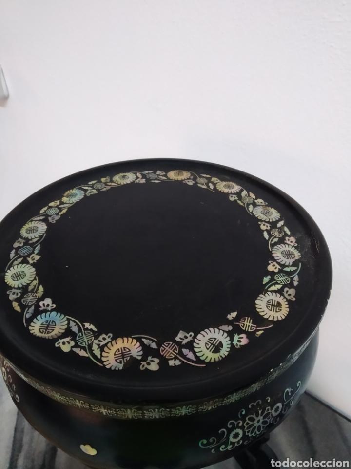 Arte: Antigua mesa china de Te ,lacada en negro y marquetería en nácar , - Foto 4 - 278621448