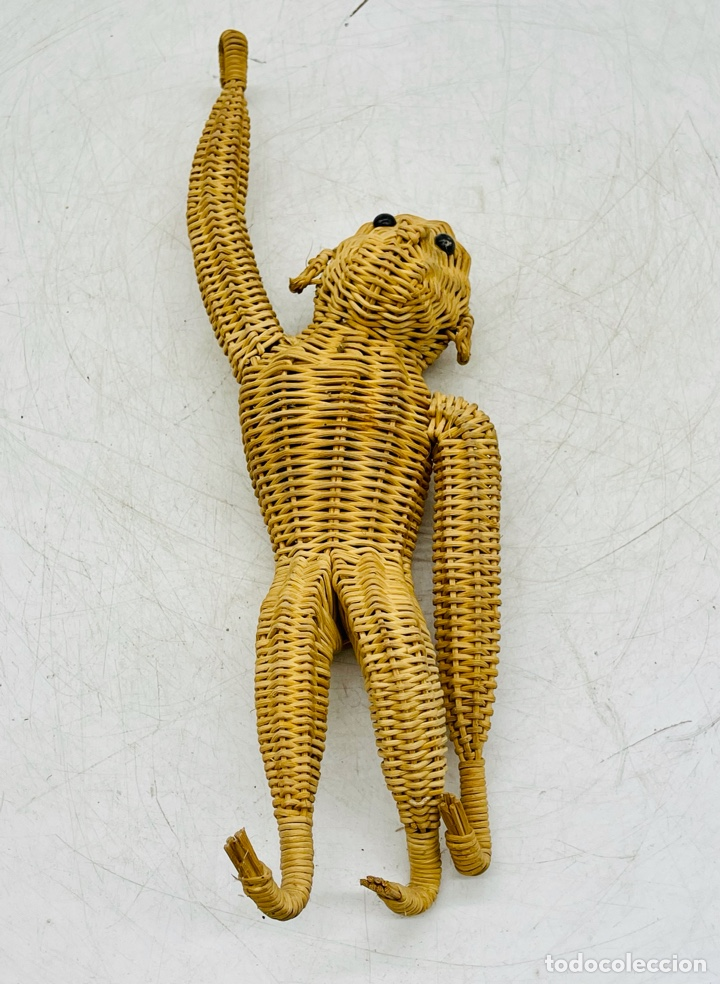MONO ARTESANAL DE MIMBRE (Arte - Étnico - América)