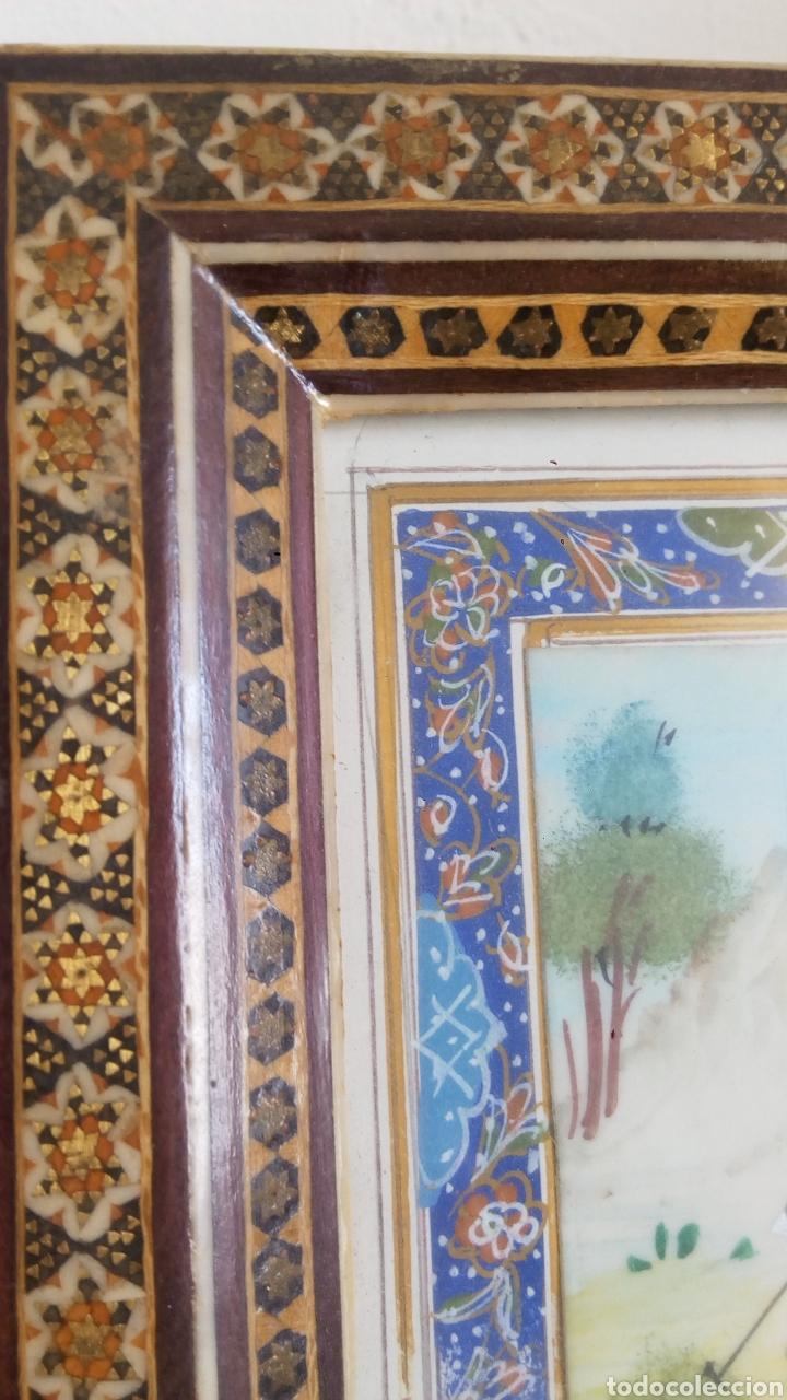 Arte: Antigua pintura miniatura persa - Jinetes jugando al polo (Chovgan) - marco taracea - Foto 2 - 288535593