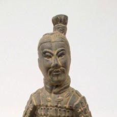 Arte: GUERRERO DE TERRACOTA - EMPERADOR QIN SHI HUANG DE XIAN - MIDE 21 CM DE ALTO.. Lote 295501598