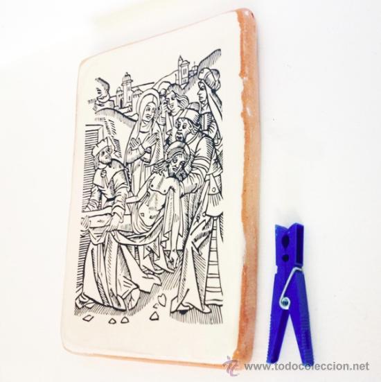 Arte: Grabado antiguo descendimiento de la cruz impreso sobre baldosa de barro 20x14cm. - Foto 2 - 34554316