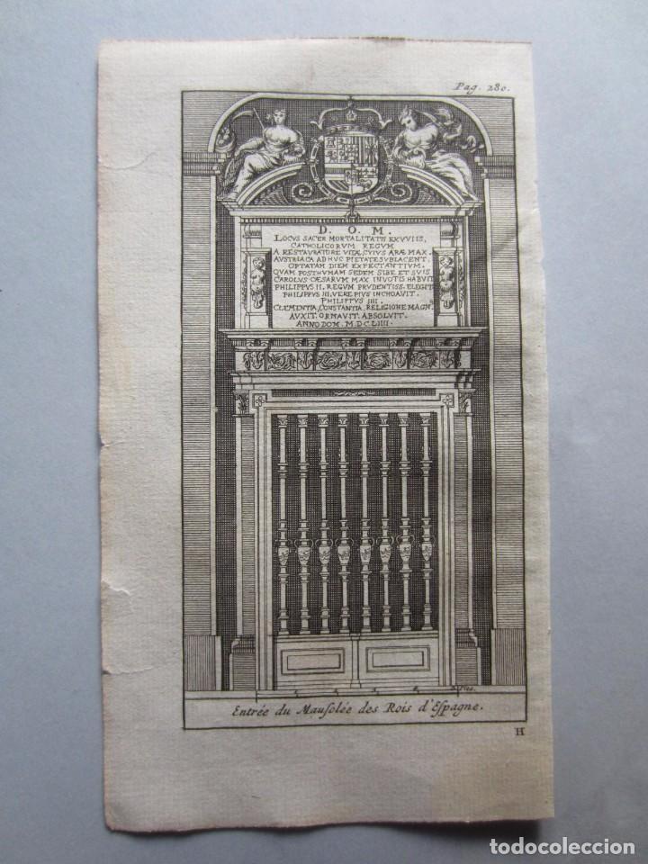 1707-PUERTA MAUSOLEO REYES DEL ESCORIAL.MADRID.GRABADO ORIGINAL DE JUAN ALVAREZ COLMENAR (Arte - Grabados - Antiguos hasta el siglo XVIII)