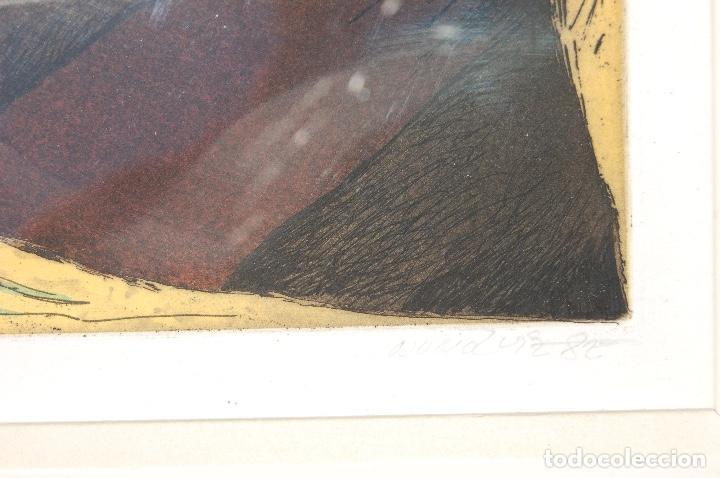 Arte: Nuño Ruiz. Autor de Málaga. Grabado al aguatinta de 18x23,5 enmarcado en 36x41. Año 1982,PE - Foto 4 - 107972487