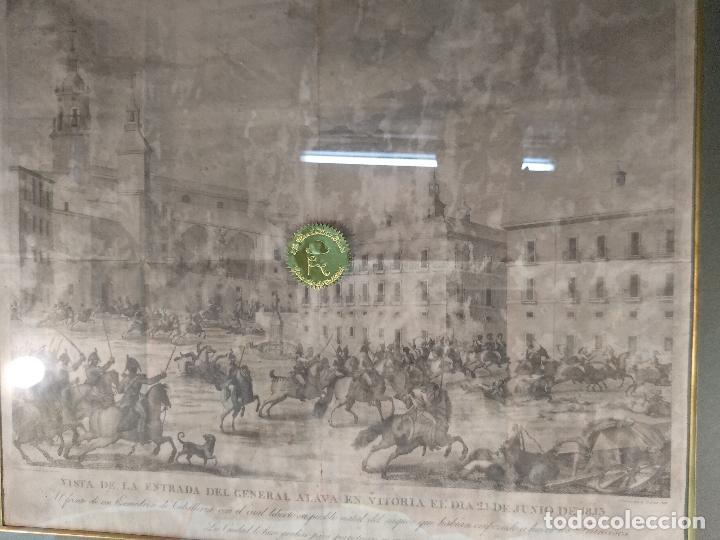 Arte: IMPORTANTE GRABADO HISTÓRICO - TROPAS DEL GENERAL ÁLAVA EN VITORIA EL 21 DE JUNIO DE 1813 - ORIGINAL - Foto 13 - 115376011