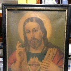 Arte: ANTIGUO CUADRO CON LÁMINA RELIGIOSA DEL SAGRADO CORAZÓN DE JESÚS MARCO LACADO EN NEGRO SIGLO XIX . Lote 152373702