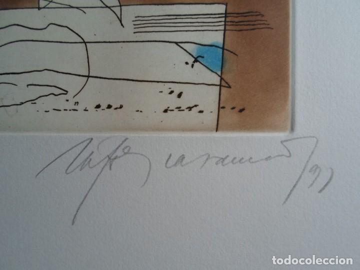 Arte: Rafols Casamada (Barcelona, 1923-2009) grabado 1993 de 19x15cms en papel de 38x28, firmado y 6/75 - Foto 3 - 194989503