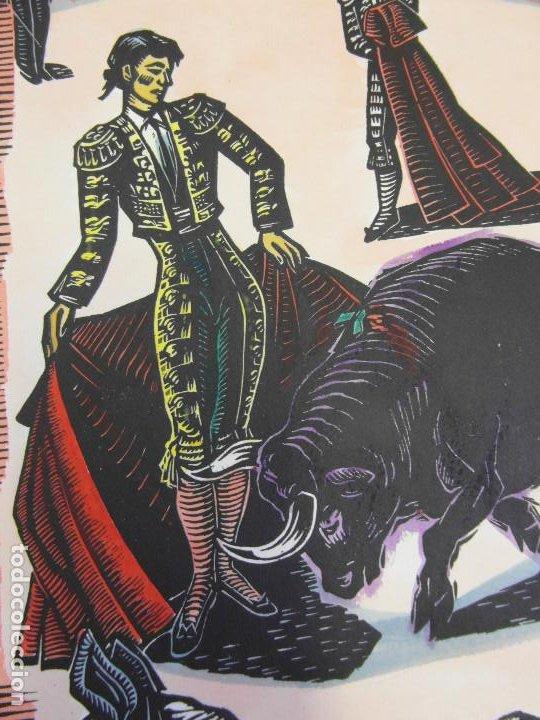 Arte: *Josep Gumí Cardona* Xilografía *Corrida de toros* Meds. papel: 35x70 cms. Sin numerar. Fechado 56. - Foto 5 - 195202360
