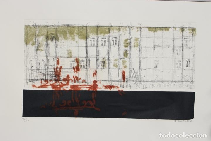 Arte: Elena Jiménez (Alicante1965). Grabado y collage de 75,8x56 papel y huella 49,5x28. Ejem. 30/40. - Foto 2 - 201666207