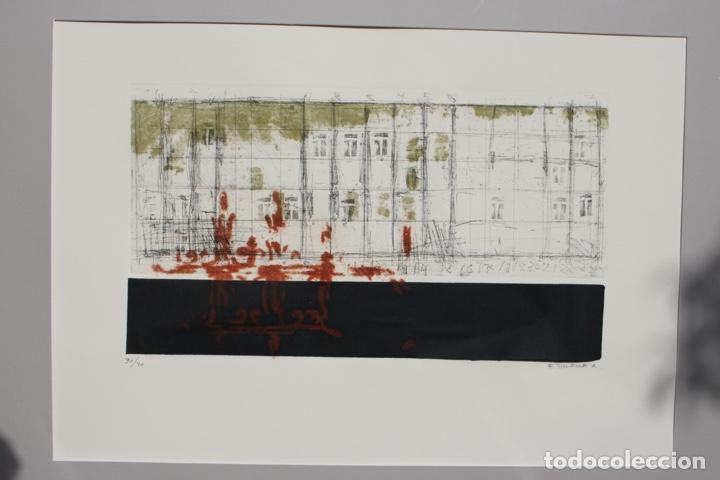 Arte: Elena Jiménez (Alicante1965). Grabado y collage de 75,8x56 papel y huella 49,5x28. Ejem. 30/40. - Foto 3 - 201666207
