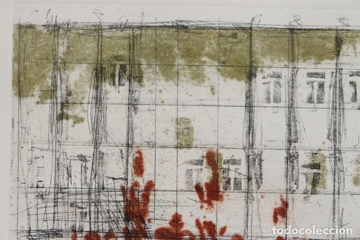 Arte: Elena Jiménez (Alicante1965). Grabado y collage de 75,8x56 papel y huella 49,5x28. Ejem. 30/40. - Foto 6 - 201666207