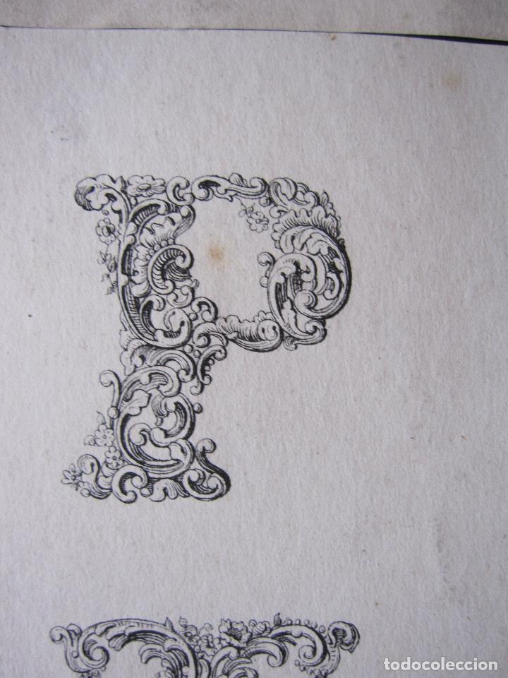 Arte: ANTIGUO GRABADO CON ALFABETO TIPOGRAFIA ESTILO ROCOCÓ. 16 X 23,5 CM (LAS DOS HOJAS) - Foto 3 - 207231220