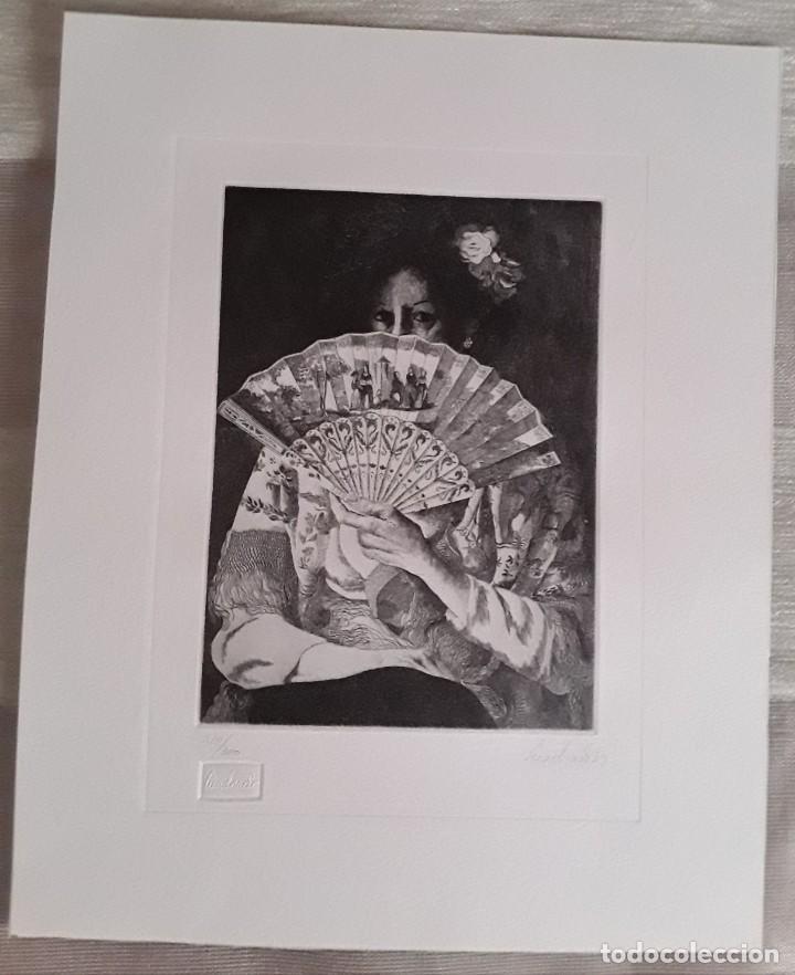 GRABADO DE PACO CUADRADO (1939-2017). MUJER CON ABANICO. FIRMADO Y FECHADO. PERFECTO ESTADO. (Arte - Grabados - Contemporáneos siglo XX)