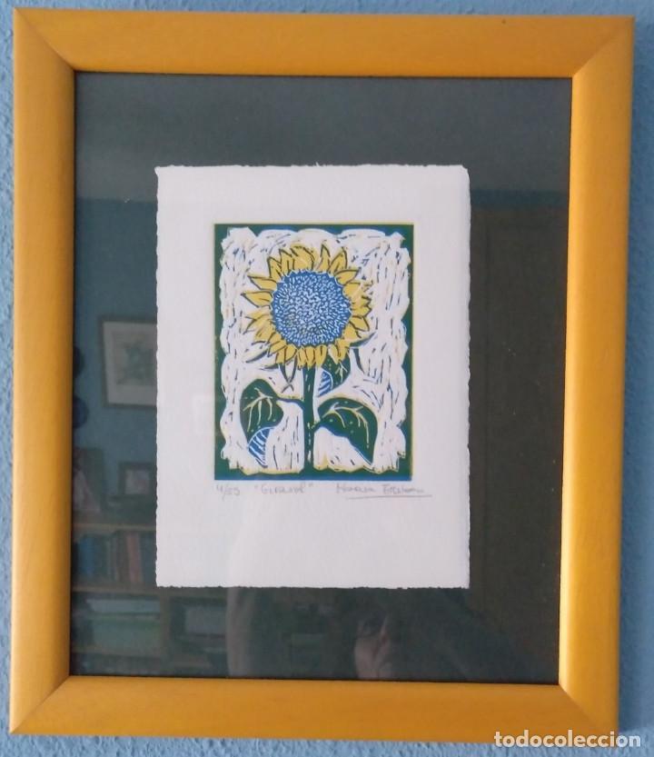 GRABADO DE LA ARTISTA MARISA ESTEBAN. GIRASOL. 4/25 AÑO 2002. PERFECTO (Arte - Grabados - Contemporáneos siglo XX)