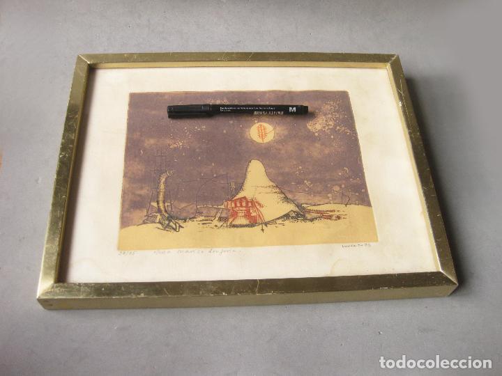 GRABADO O AGUAFUERTE DEL ARETISTA ANTONIO LORENZO CARRIÓN. PAISAJE LUNAR CON NAVE ESPACIAL. 1973 (Arte - Grabados - Contemporáneos siglo XX)