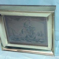 Arte: BELLO GRABADO SOBRE COBRE BARCOS Y CARABELA PETER BRUEGEL CON MOLDURA DE METAL DORADO. Lote 285089708