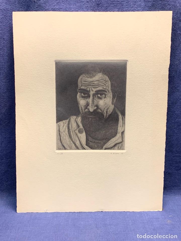 GRABADO FIRMADO A. ALCAIN 1975 11/30 ROSTRO HOMBRE SERIE EL LUTE 35X26CMS (Arte - Grabados - Contemporáneos siglo XX)