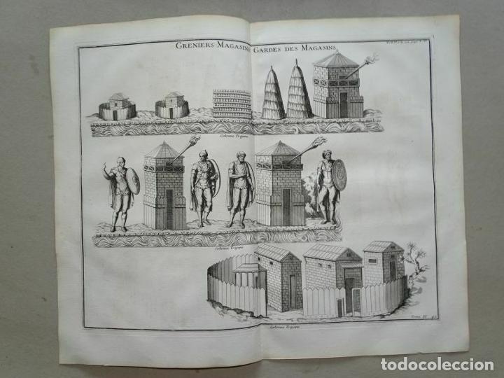 GRANEROS, ALMACENES Y GUARDIAS EN LA COLUMNA DE TRAJANO (ROMA, ITALIA), 1719. MONTFAUCON /DELAULNE (Arte - Grabados - Antiguos hasta el siglo XVIII)