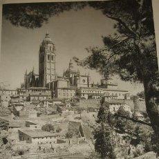 Arte: SEGOVIA VISTA DE LA CATEDRAL HUECOGRABADO AÑOS 40. Lote 58161334