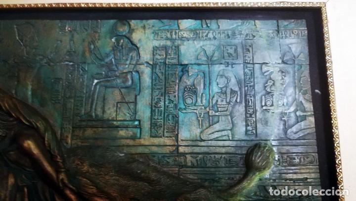 Arte: Bonito cuadro de - Reina Egipcia con Leon - En relieve - Simulacion de Bronce ( Resina )Autor-YIHAI- - Foto 8 - 147179510