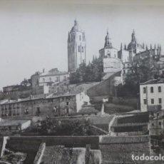Arte: SEGOVIA VISTA DESDE LA CUESTA DE LOS HOYOS HELIOGRABADO 1928 G. BOUAN , VICENT FREAL ET CIE. PARIS. Lote 201307771